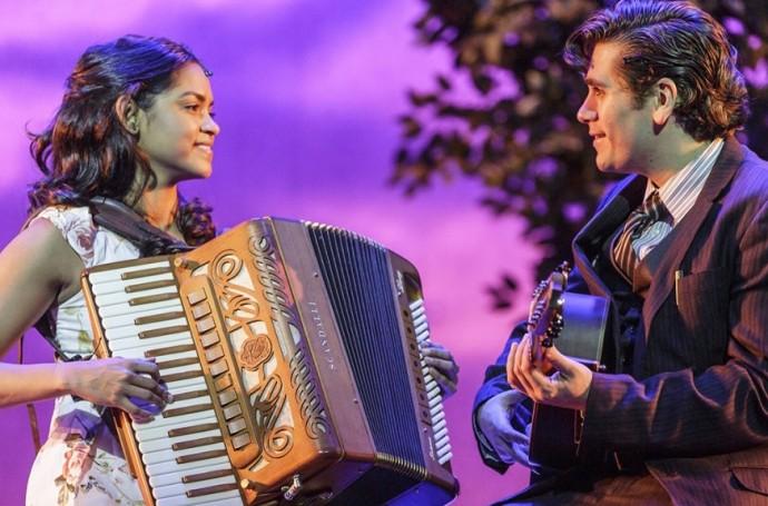 Nuvem de Lágrimas - Lucy Alves e Gabriel Sater